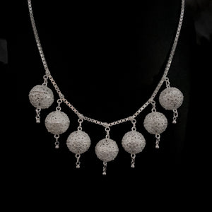 Blanc • Classic Dancer's Ball Necklace
