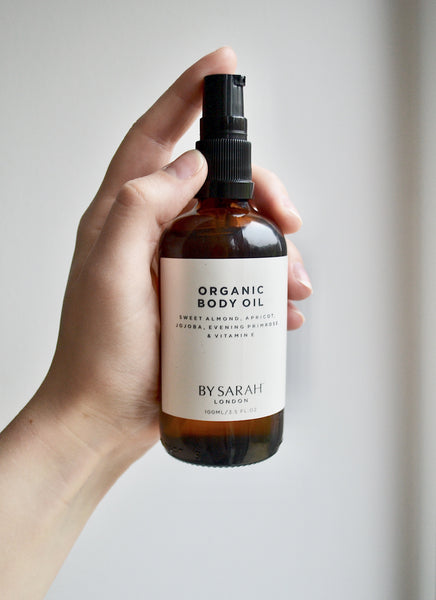 BY SARAH LONDON - Organic Body Oil in hand