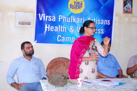 Virsā Co Founder Dr Mrs Sushma Jaswal delivering a talk on Evidence-based Nutrition at the Virsā Health Camp - May 2018