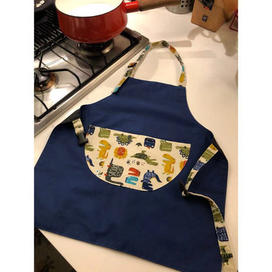 台灣手工兒童工作服  Handmade kid's adjustable working apron with printed cartoon pocket -藍色恐龍世界 (免運) - glorias-bookstore