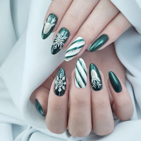 best-christmas-nail-art-design-ideas-rossi-nails-blog-post-10