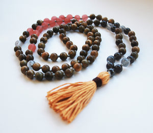 8mm Green Sandalwood & Matte Strawberry Crystal 108 Knotted Mala Necklace with Cotton Tassel