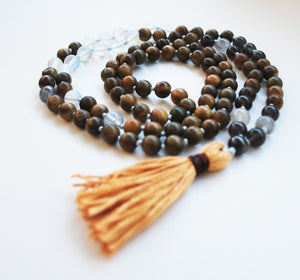 8mm Green Sandalwood & Austrian Crystal 108 Knotted Mala Necklace with Cotton Tassel