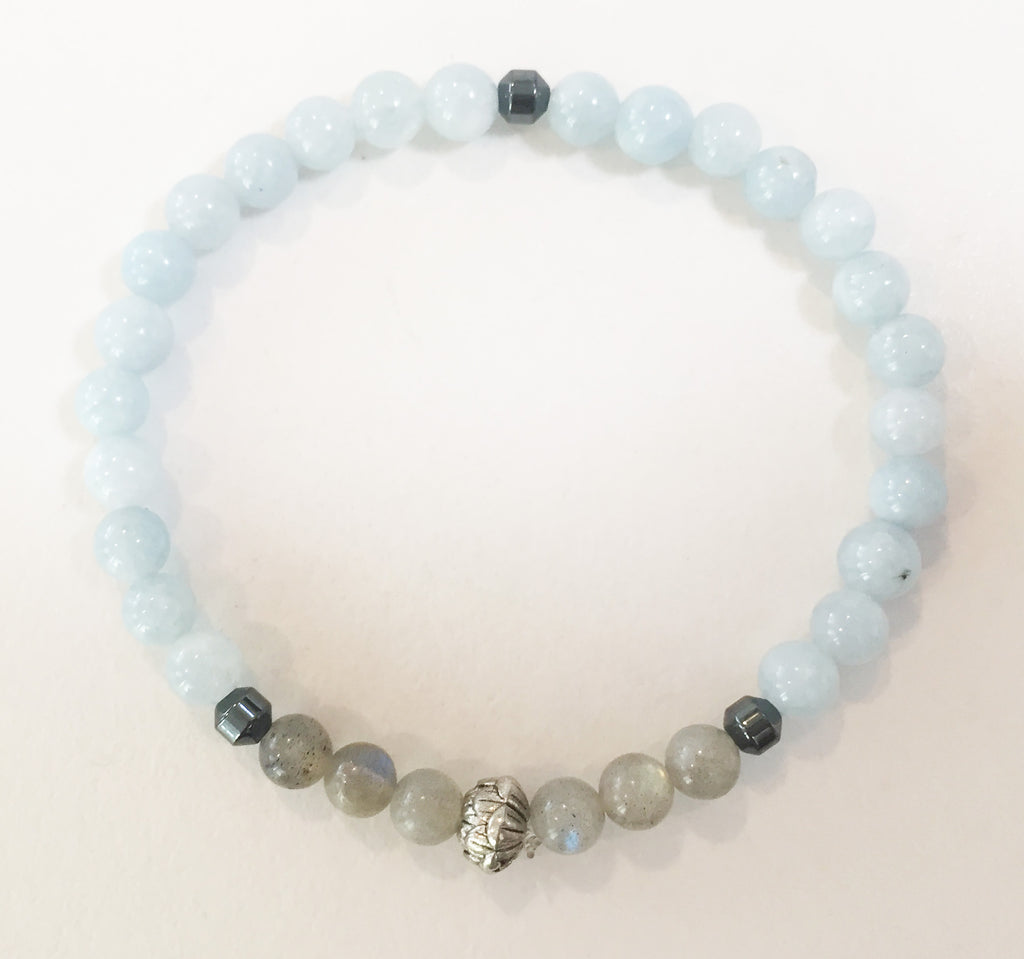 6mm Aquamarine & Labradorite Stretch Bracelet with Lotus Flower