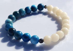 Balance Collection White Bodhi Root, Pyrite & Apatite Yoga Meditation Wrist Mala Bracelet Third Eye Chakra Focus Healing Energy Reiki