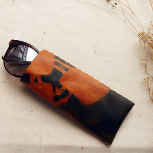 MAUDE - Tan/Navy Tie Dye Leather Glasses Case