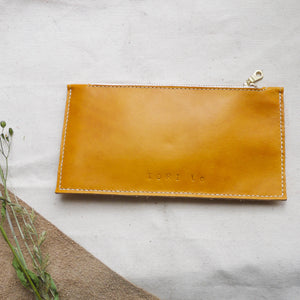HUE - Leather Zip Purse