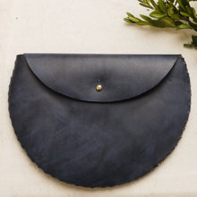 DAISY - Small Circular Leather Interlocking Clutch