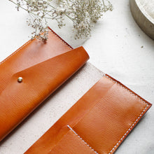 SIERRA - Classic Flap Leather Bifold Purse