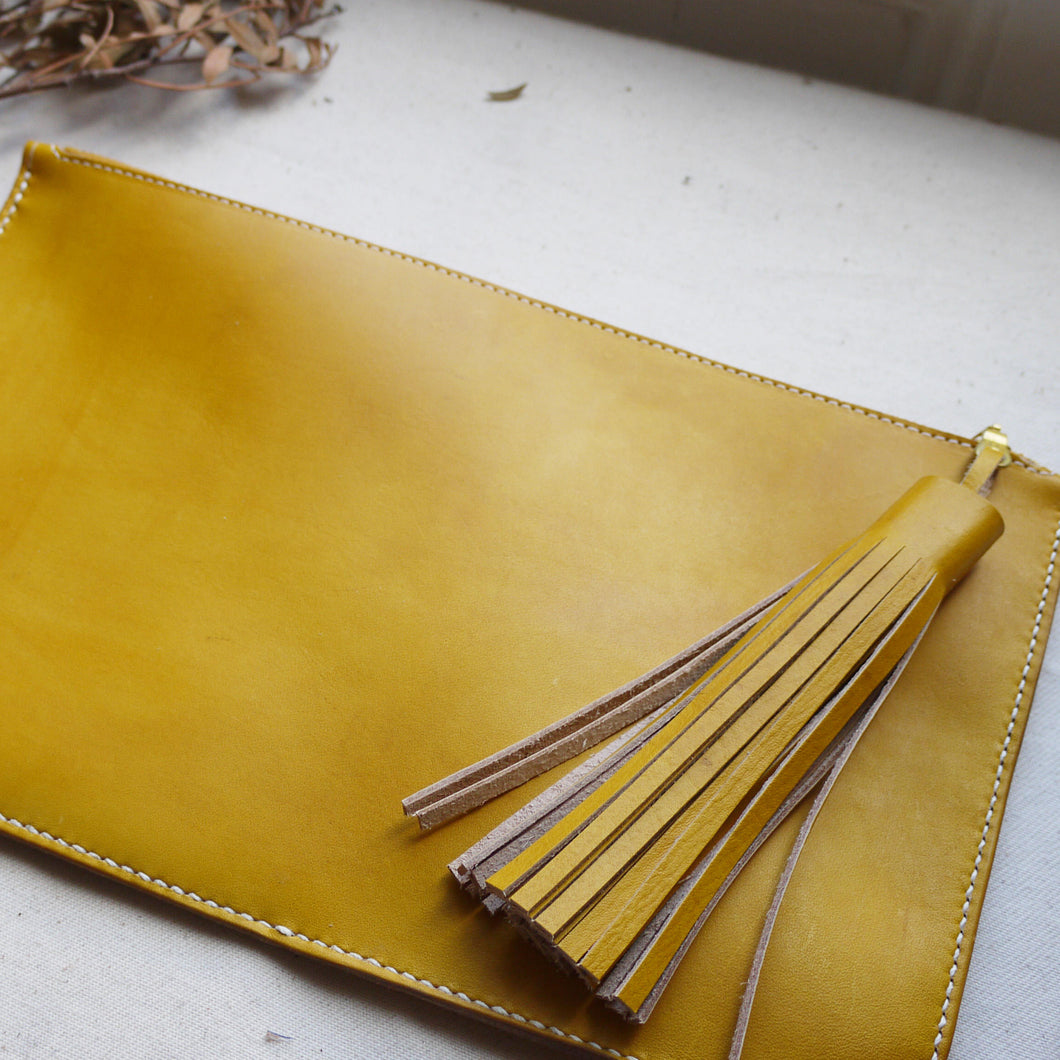 RHODA XL- Yellow Tassel Clutch