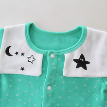 Baby's Color Blocks Stars Pattern Adjustable Button Crotch Long-sleeved Warm Rompers