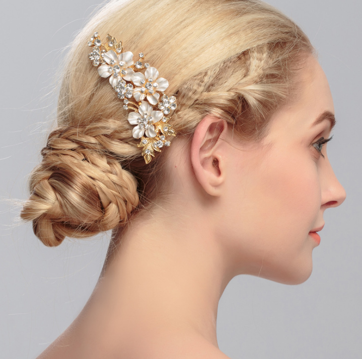 Romantic Wedding Hair Accessories For Bride Chaste Flowers Hair comb With Crystal Hairpins Sets Flower White Tiaras Jewelry