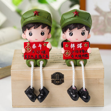 Cute Figurines Hanging Foot Doll Crafts Ornaments Resin Red Army Doll Home Decor Accessories Miniature Garden Fairy Gifts