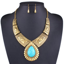 European And American Exaggerated Individuality Vintage Decorative Pattern Alloy Chain Drop Resin Necklace Earrings Suit