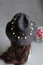 Women's Stylish Hat with Pearl On Side