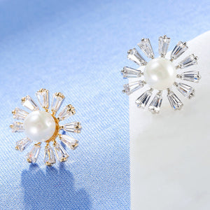 Sun Flowers Shape Pearl Zircon Sweater Clips (1 pcs)