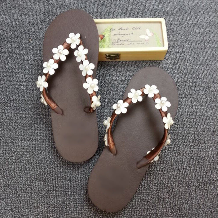 821730472d9d3e ... Handmade Beaded Flower Vacation Beach Slippers Simple Flat Flip-flops  Female Slippers ...
