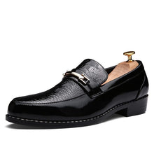 Men Dress Shoes Pattern High Quality Men Loafers (1 pair)