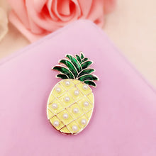 PINEAPPLE Pearl Detail Sweater Clips (1 pcs)