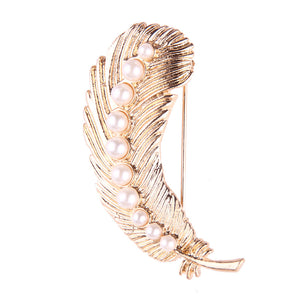 Pearls Tops Feather Design Brooch