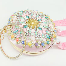 New Pearl Embroidery Hand Bag Is Wrapped In A Tassel Bag