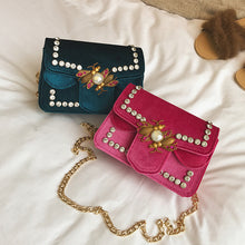 Bee Shape Design Buckle Chainbag