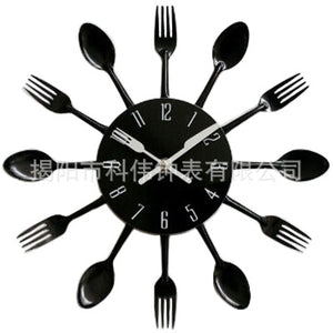Modern Creative Solid Color Cutlery Designed Kitchen Wall Clock