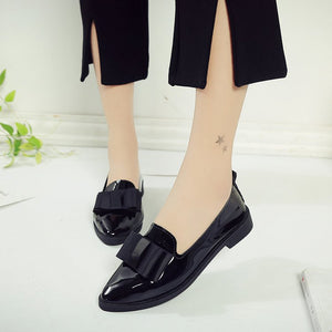 Korean Version Of The Shingle Shoes With High Fashion And Low Heels And A Pair Of Shoes