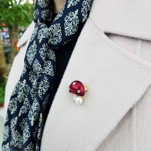 Mushroom Shape Pearl and Rhinestone Detail Sweater Clips (1 pcs)