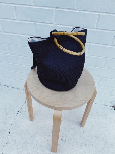 Hérmanos Bucket Bag Black
