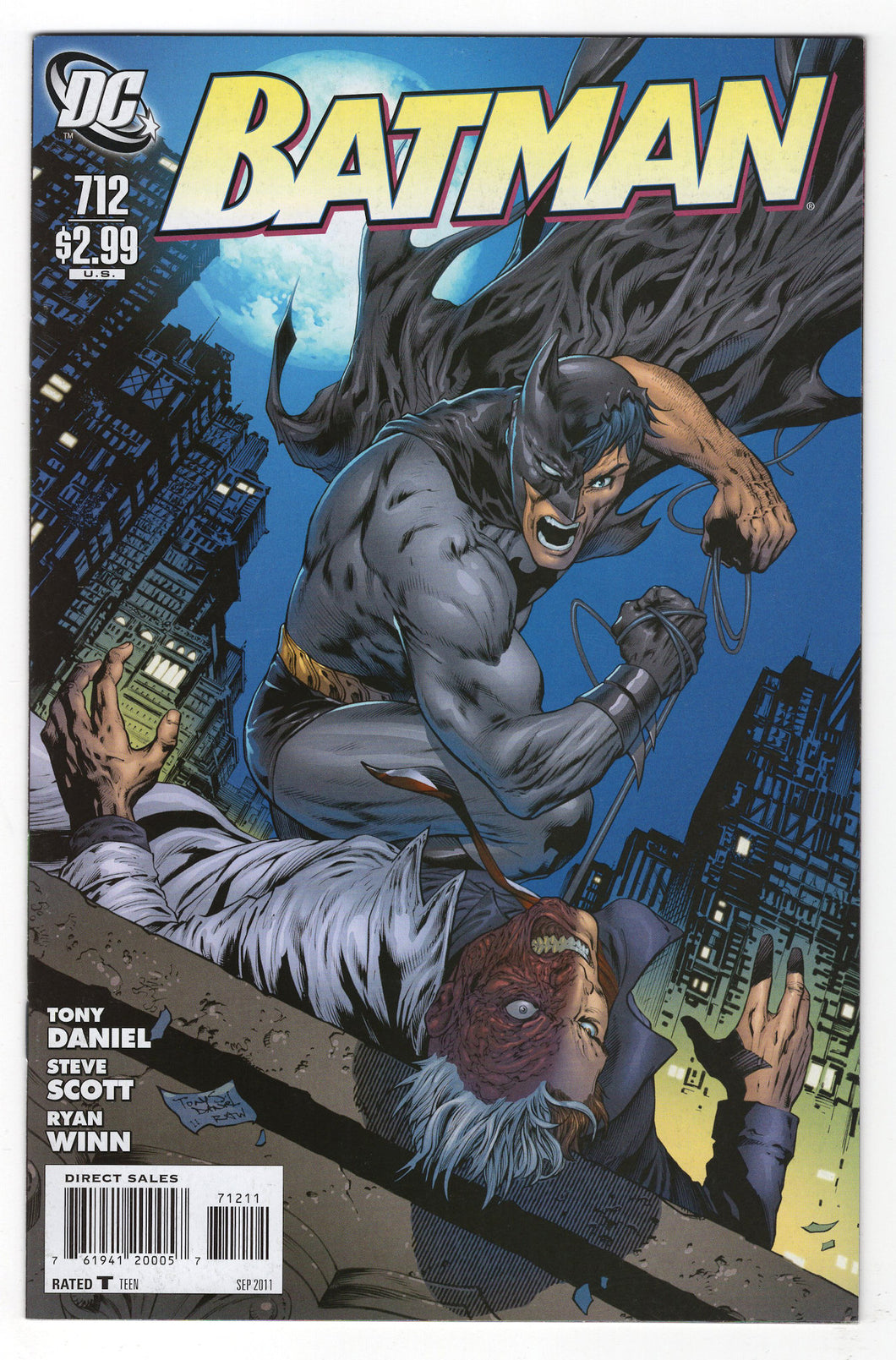 Batman #712 Regular Tony S Daniel Cover (2011) Front