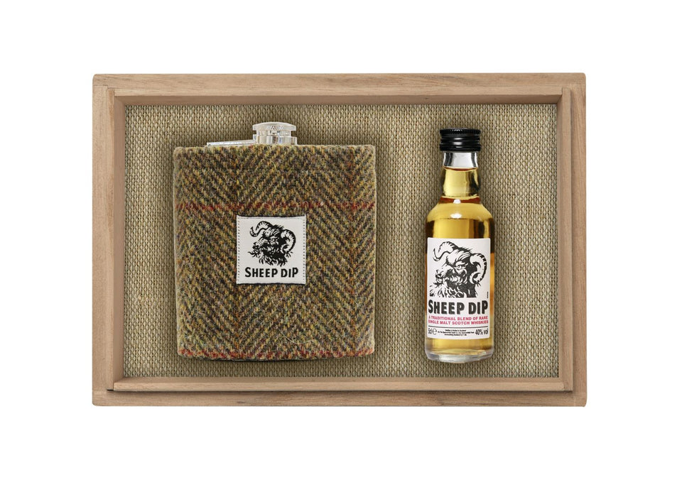 Sheep Dip Whisky & Hip Flask Gift Set xx