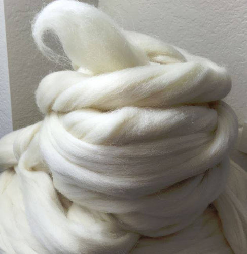 Farm Blend Cheviot Cross Creamy Wool Top ~ Natural Spinning Fiber / 4 oz