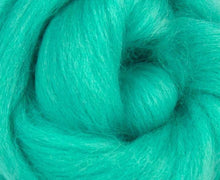Blue Faced Leicester Dyed Wool Top Spearmint 4 Oz Fiber