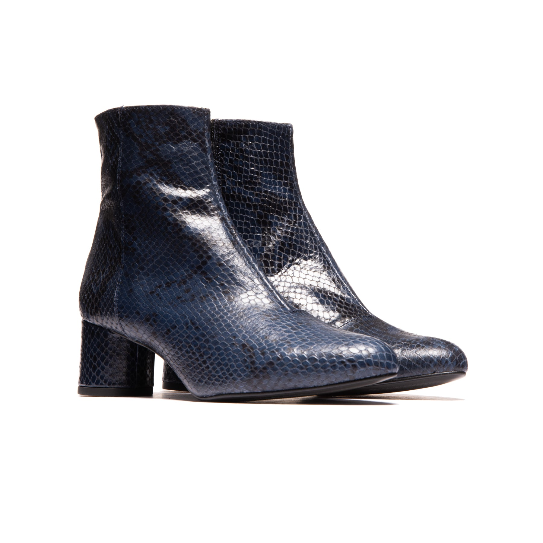 Fredonia Navy Snake Leather