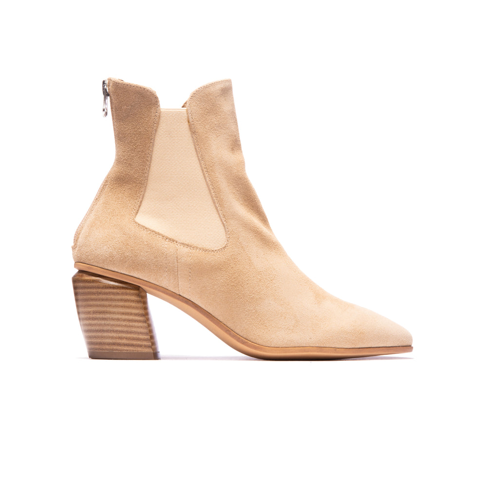 Load image into Gallery viewer, Guapa Nude Suede