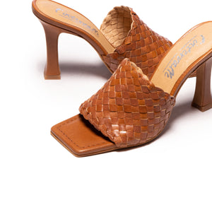 Nikia Tan Leather