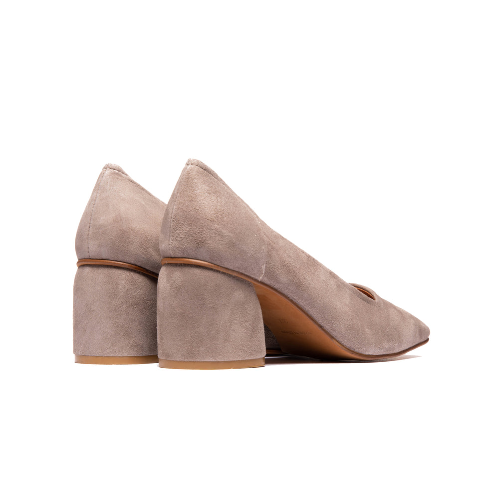 Load image into Gallery viewer, Effy Grey Suede