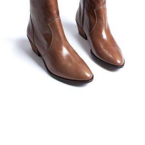 Goucho Brown Leather