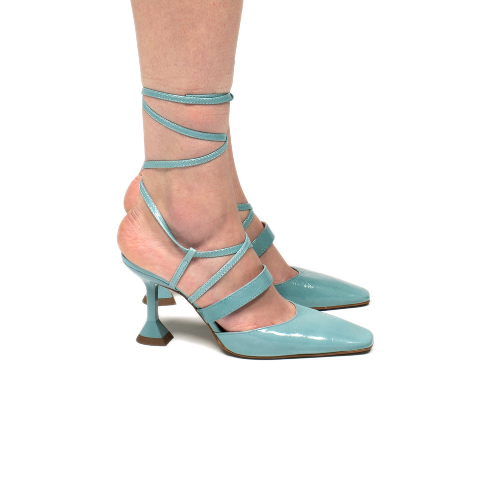 Load image into Gallery viewer, Jasmin Light Blue Leather