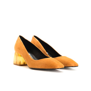 Load image into Gallery viewer, Betheny Tan Suede Pumps
