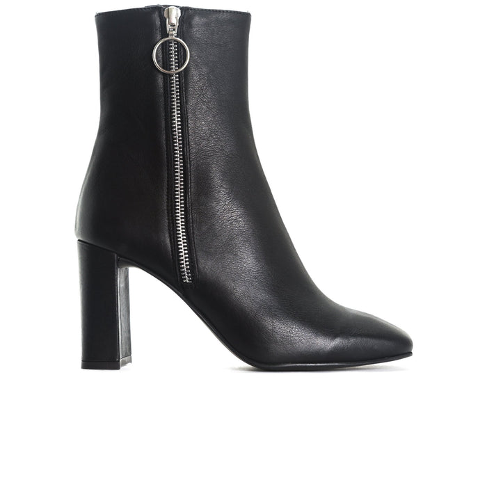 Kastoria Black Leather Ankle Boots