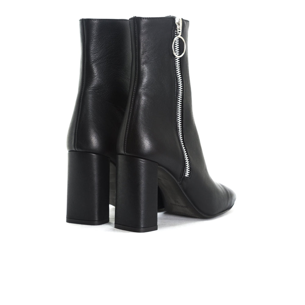 Load image into Gallery viewer, Kastoria Black Leather Ankle Boots