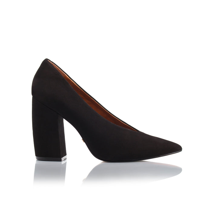 Mara Black Nubuck Pumps