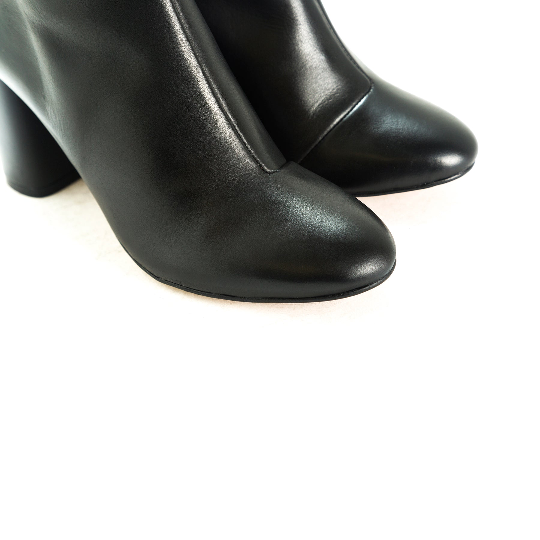 Mirta Black Leather