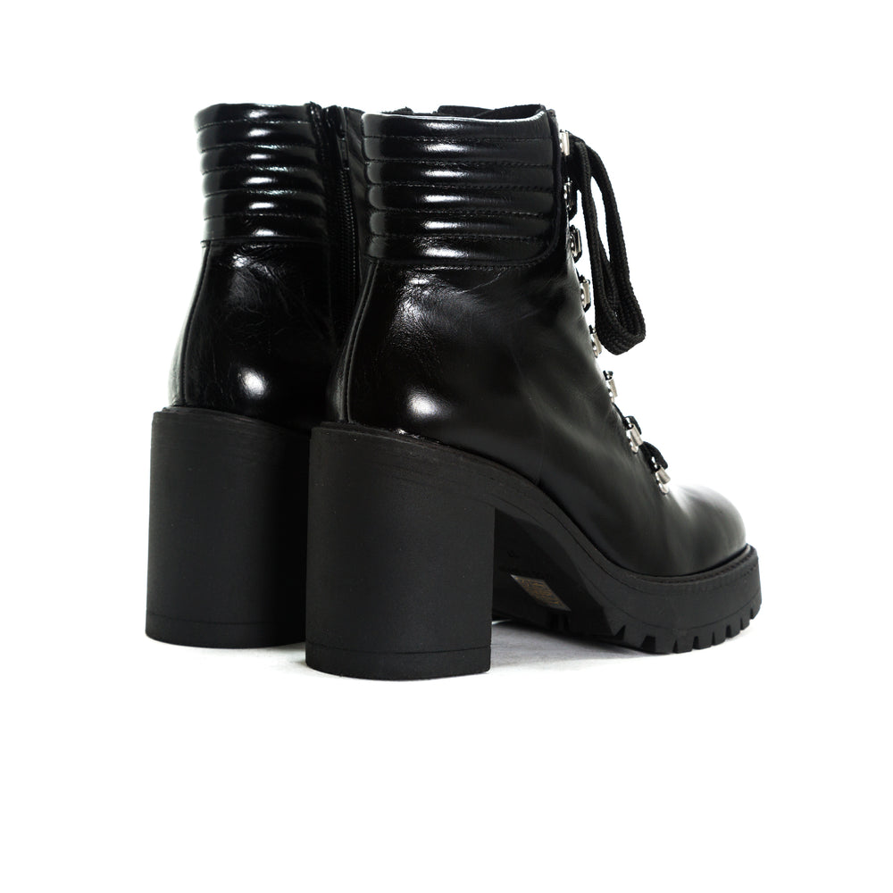 Load image into Gallery viewer, Sickla Black Leather Platforms