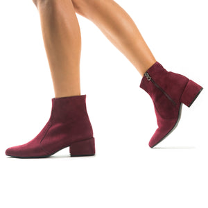 Load image into Gallery viewer, Thassos Bordo Suede Ankle Boots