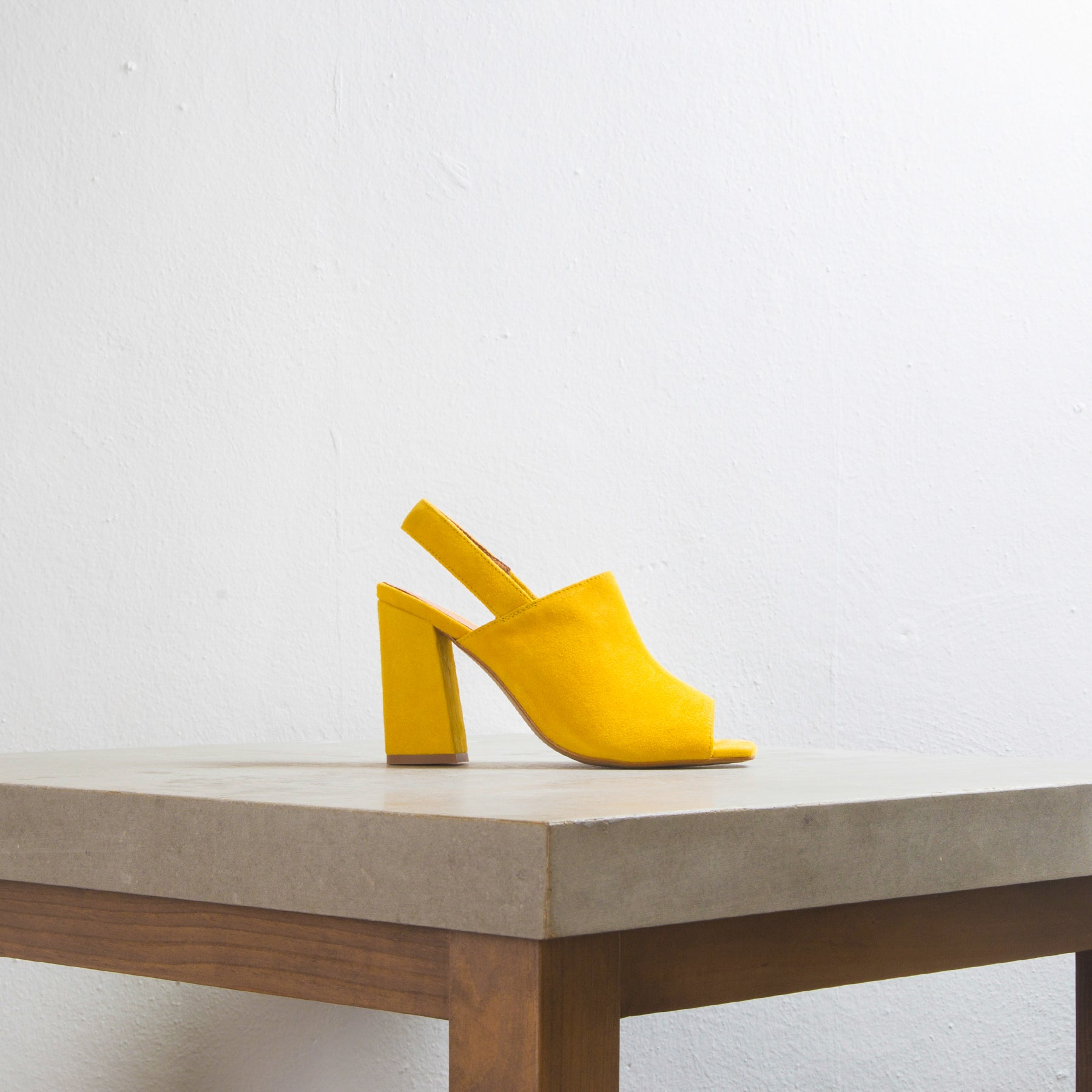 Tinasi Yellow Suede