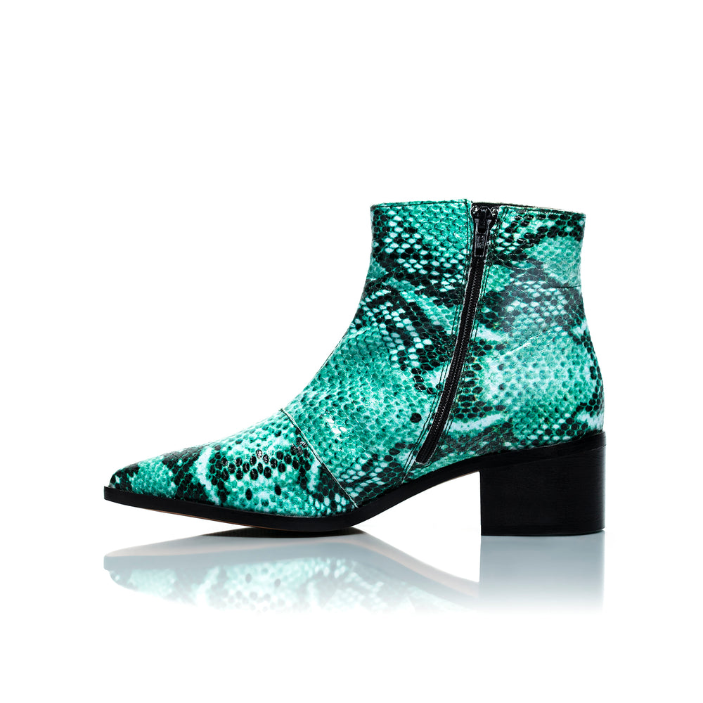 Load image into Gallery viewer, Woodstock Green Snake Leather Ankle Boots