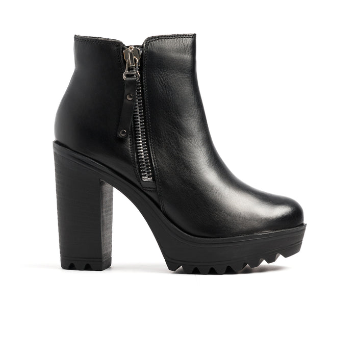 Zane Black Leather Boots